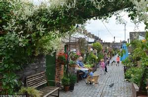 Garden Trellis Co Community Transforms Victorian Passageway Behind