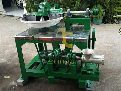 Pisau Gilingan Daging No 32 Baja mesin giling daging diameter wajan 70