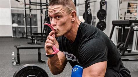john cena max bench press john cena bench presses 487 pounds muscle fitness