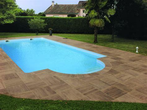 piastrelle piscina pavimenti spessorati per piscine e aree benessere