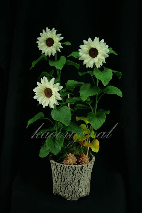 sunflower center s 1 8 mm kaooriginal clay flower
