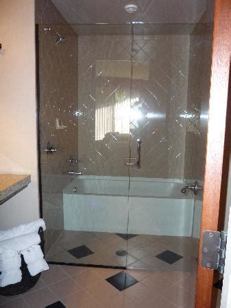 Enclosed Bathtubs by Enclosed Tub And Shower Area Picture Of Sedona