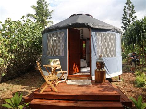 love yurts hgtv amazingly peaceful hawaiian yurts love yurts diy