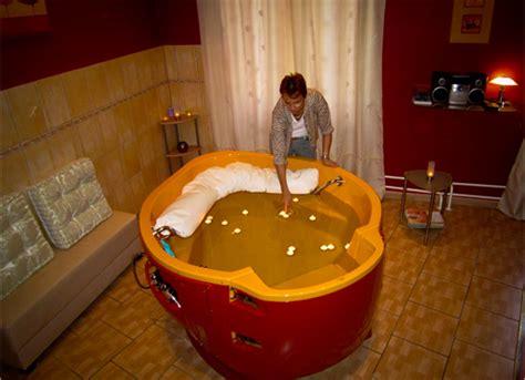 Geburt In Der Badewanne by Geburt In Der Badewanne Zu Hause Geburt In Der Klinik