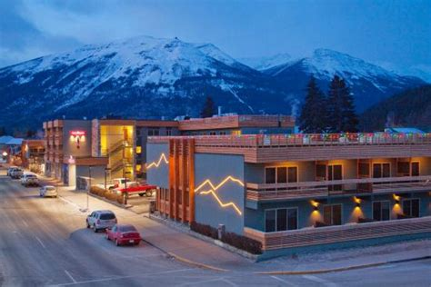jasper hotels book jasper hotels in jasper national park crimson jasper jasper hotel reviews photos rates