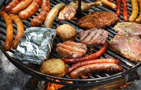 feuerstelle zum grillen verschiedene arten zu grillen rezepte zum grillen