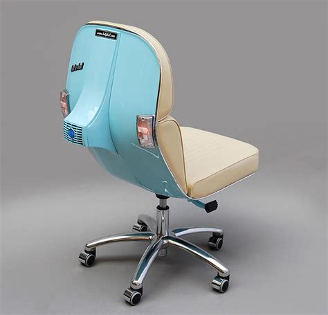 Bel Kantor kreatif vespa tua diubah menjadi kursi kantor yang modern