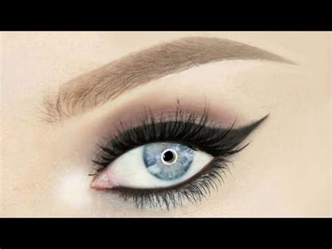 how to keep your eyeliner from smudging on the waterline