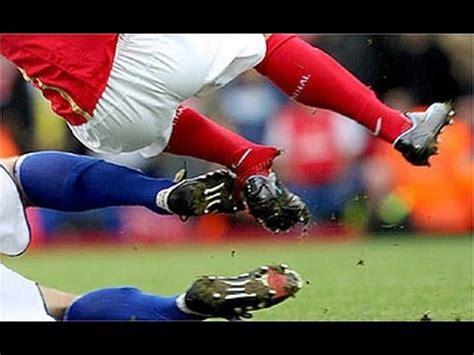 imagenes mas impactantes del futbol las 10 lesiones mas impactantes del futbol youtube