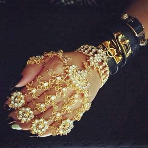 Jewels: gold, diamonds, hand jewelry, gold ring, oriental, indian, filigree, stiletto nails