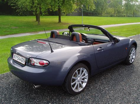 service manual how to change 2006 mazda miata mx 5 rear bottom hub bush 2006 mazda mx 5