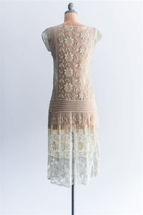 How To Make Flapper Knot   1920s yellow french knot embroidered lace flapper dress