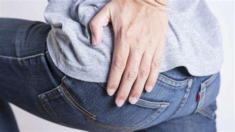 schmerzen in beinen beim liegen 220 bungen gegen r 252 ckenschmerzen und schmerzen in ges 228 223
