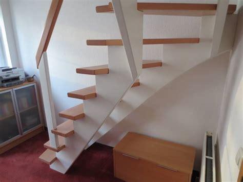 geländer treppe design treppe viertelgewendelt