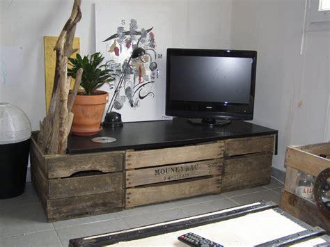 table tele en bois meuble tv en cageot 224 pomme caisse mini caisse m 233 lange de cr 233 ations et univers