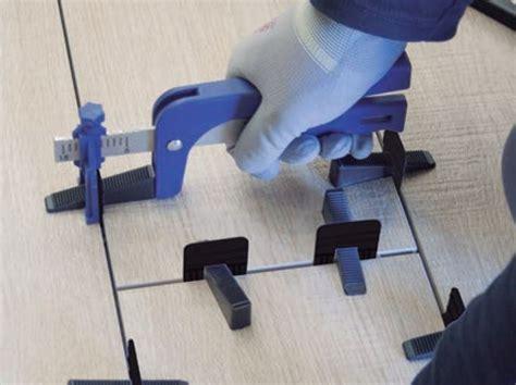 distanziatori per piastrelle autolivellanti distanziatore per pavimenti crocette autolivellanti by butech