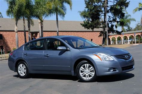 2010 nissan altima safety rating 2010 nissan altima reviews autoblog and new car test drive