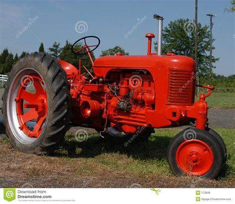 Hochzeitseinladung Landwirtschaft by Roter Traktor Lizenzfreie Stockfotos Bild 173848