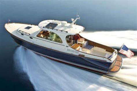 hinckley picnic boat weight hinckley 37 power motoryacht