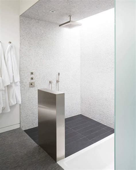 posa mosaico bagno bagno con pavimenti e rivestimenti in mosaico 100 idee