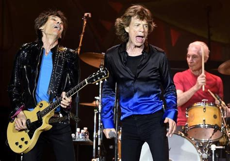 rolling 20 lôks rolling stones give a big arrowhead stadium crowd a show