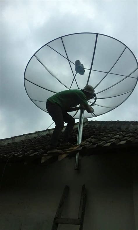 Antena Tv Parabola Digital harga barang reseiver parabola digtal agen toko jasa pasang parabola digital antena tv lokal