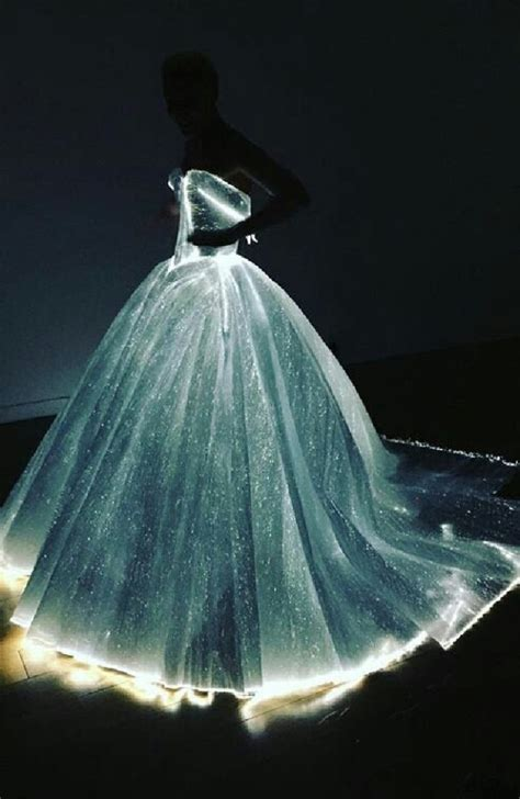 Light Up Dress couture led dress lights up the met gala 3 materia