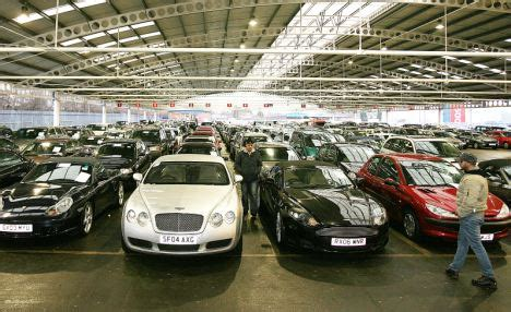 why you should consider all options before a car auction