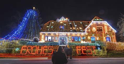 photos man illuminates home with over 450 000 christmas