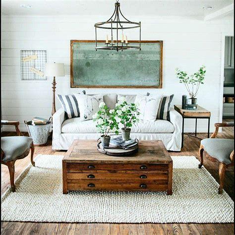 fixer decor best 25 fixer living room ideas on living room wall living room and