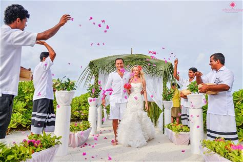 Weddings Abroad by Wedding Abroad Pros And Cons
