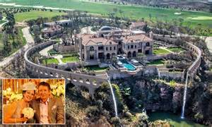 most sa billionaires live in joburg report fin24 comparethemarket douw steyn lives in south africa mansion daily mail