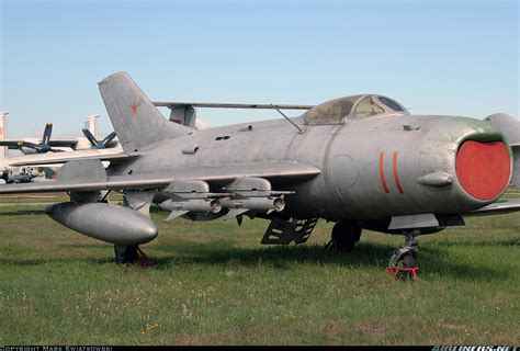 mikoyan mig 19 famous russian 1910809071 photos mikoyan gurevich mig 19pm aircraft pictures airliners net