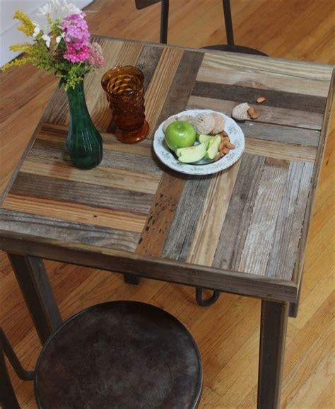 pallet kitchen table image pallet kitchen table diy