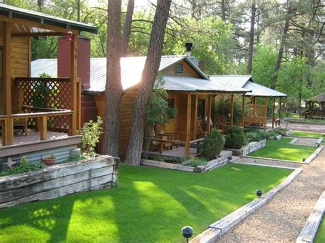 Ruidoso Lodge Cabins front