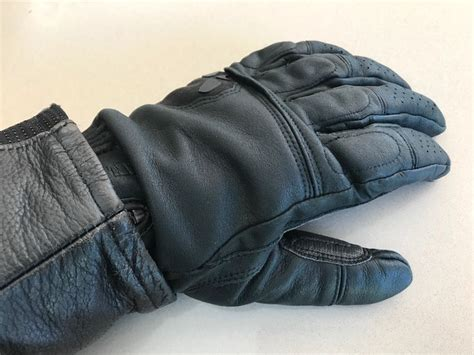 Motorrad Gloves by Gloves Worn Under Or Over The Cuff Motorbike Writer