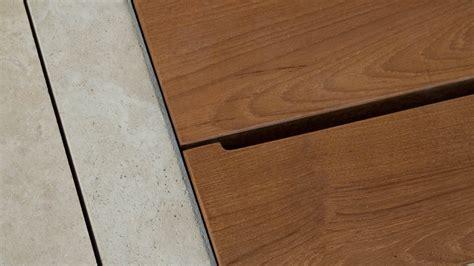 doccia in legno piatto doccia in pietra e legno quot doghe legno quot