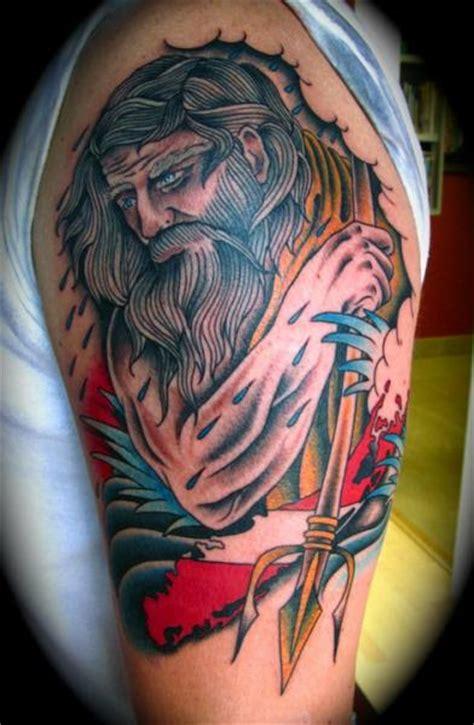tatuaje hombro new neptuno por da vinci tattoo