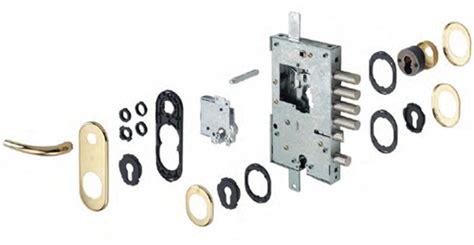 come cambiare la serratura di una porta blindata come sostituire la serratura della porta blindata