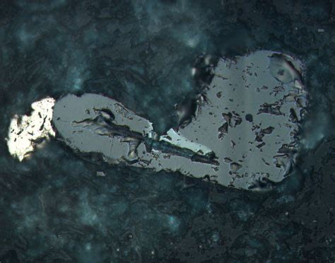 hematite in thin section figure f97 magnetite medium gray hematite light