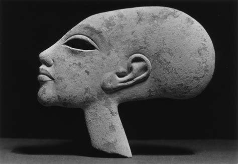 ancient aliens wikipedia file akhenaten 1351 1334 walters 2288 jpg wikimedia