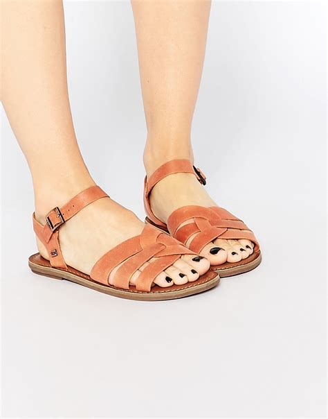toms toms zoe brown leather flat sandals at asos