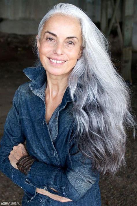 long hair 60 age model kapkodnak a divatc 233 gek az 59 233 ves nagyi 233 rt