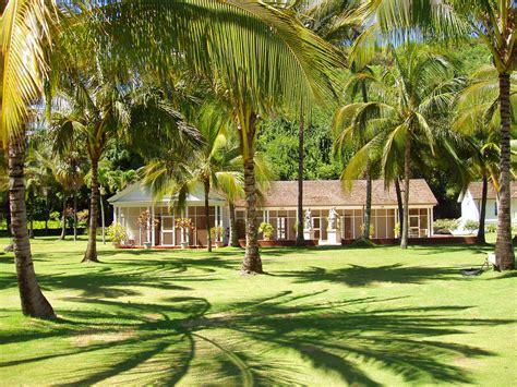 Botanical Garden Kauai File Allerton Garden Kauai Hawaii Allerton House Jpg Wikimedia Commons