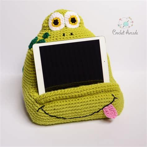 pattern for tablet holder joe frog book tablet holder crochet arcade