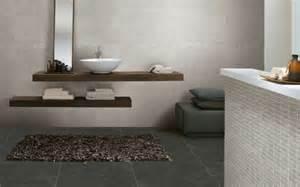 badezimmer mit grauen fliesen moderne badideen f 252 r fliesen archzine net