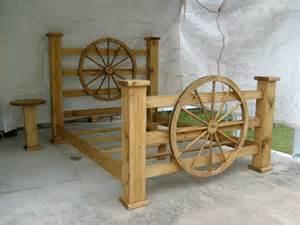 Wagon Wheel Bed Frame Image Wagon Wheels Furniture Wagon Wheels Beds Dogs Forum Dogs Wagon Diy Furniture