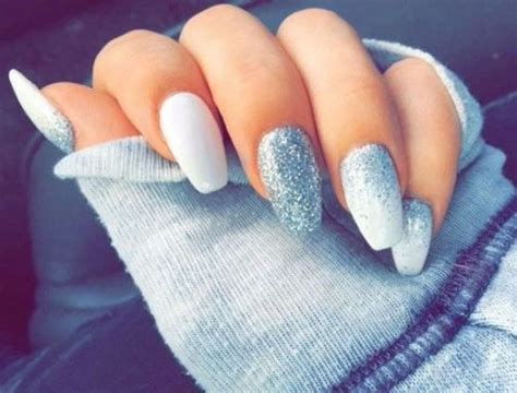 imagenes de uñas blancas con plata 25 asombroso dise 241 os de u 241 as blancas decoradas