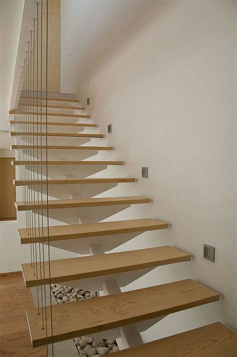 scale pieghevoli per soffitte oltre 25 fantastiche idee su ringhiere delle scale in