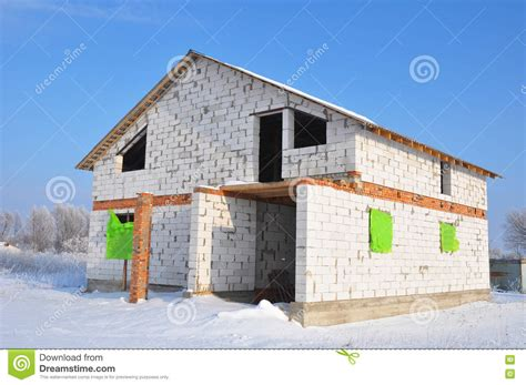 building a concrete block house building new house from white autoclaved aerated concrete